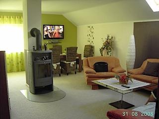 kundenbilder teppichboden tapeten parkett kork. Black Bedroom Furniture Sets. Home Design Ideas